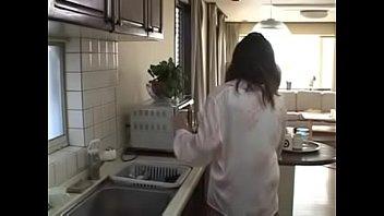 Загадочная женщина с огненно рыжими волосами сосёт на камеру