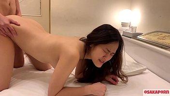 Молодая krystal boyd влияет на свой струйный сквирт оргазм с помощью длинного дилдо